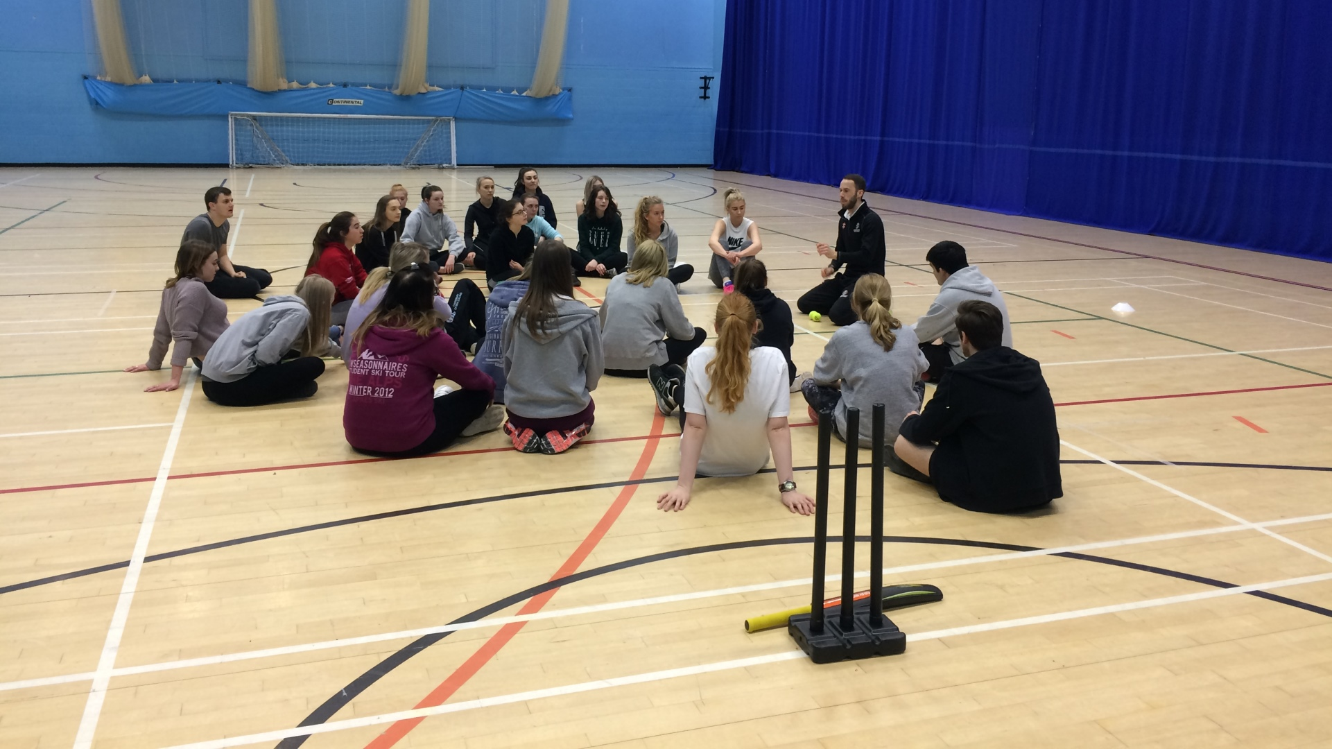 Trainee teachers get first taste of cricket coaching